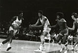 Maurice Lucas setting pick for teammate Marcus Washington, 1974
