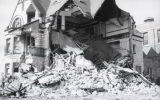 The Elizabeth Plankinton Mansion crumbles into a huge pile of rubble, 1980