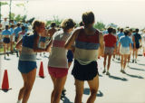 A group of runners stick together during Al's Run, 1986