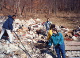 Marquette students rake trash, 1992